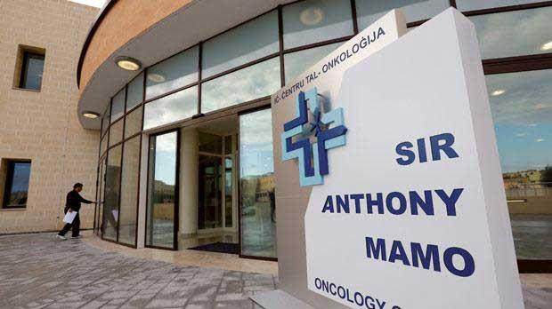 Prohealth Ltd & La Roche-Posay donates skin care products to Mater Dei's oncology departments