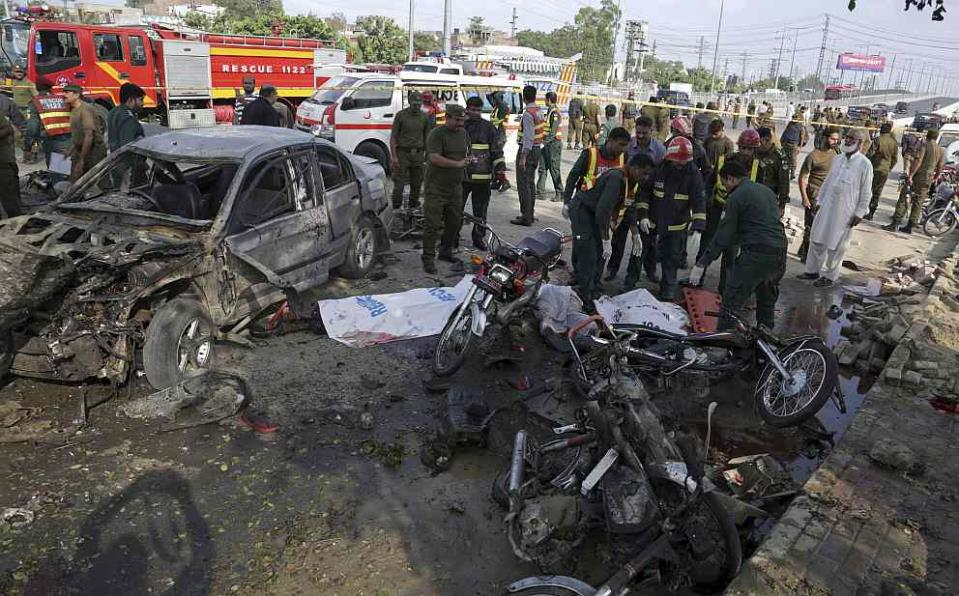 Suicide bombing in Lahore kills 26, wounds 54