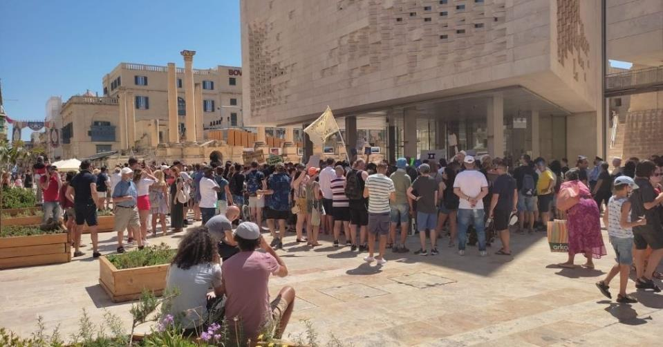 Protesters in Valletta to campaign against Covid-19 vaccination